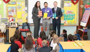 Garfield school community and Spencer Savings Bank take part in Read Across America Day